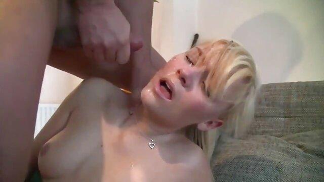 Megumi Shino DPed en un sexo de latinos video asiático anal